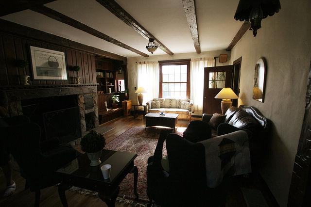 Sofa と Couch の違いとは
