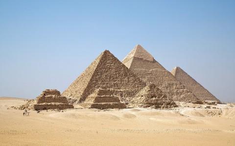 photo credit: Man-made - Gizah Pyramids via photopin (license)