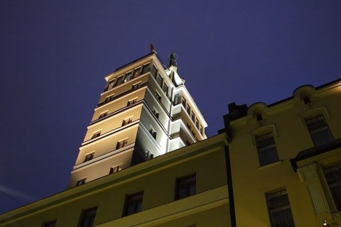 photo credit: Hotel Torni Tower in Helsinki via photopin (license)