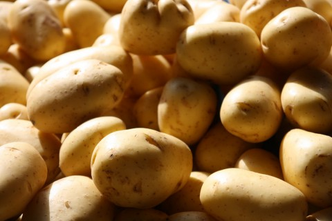 photo credit: magnusfranklin Market potatoes via photopin (license)