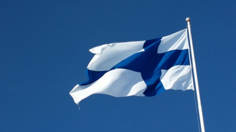 photo credit: hugovk Finnish flag aflutter atop Taivaskallio on Laskiaissunnuntai via photopin (license)
