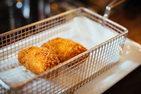photo credit: stijn Rotterdam: restaurant Basq in Markthal via photopin (license)
