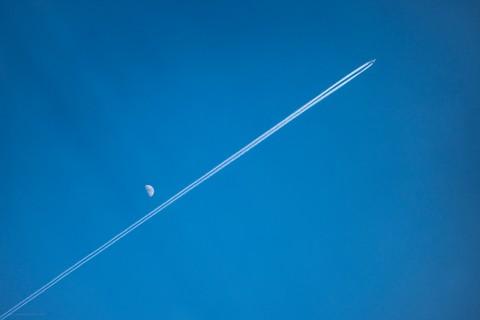photo credit: Daniel Kulinski Sky is the limit via photopin (license)